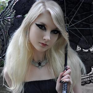 Maria Amanda - Gothic Doll [Zip]55lr1novbc.jpg