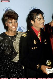 1986- The 28th Grammy Awards Th_798836463_1_122_188lo