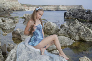 http://img159.imagevenue.com/loc208/th_019441737_tduid300163_SexArt_Kinida_Milena_D_high_0015_123_208lo.jpg