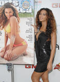 th 18400 Beyonce illustrated weekly cover 122 211lo Beyoncé Knowles father refused to watch her pose in skimpy bikini