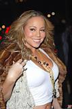 Mariah Carey Just one with her pooch Foto 752 (Марайа Кэри Лишь один со своей дворняжка Фото 752)