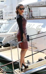 Salma Hayek - Impressive Profile Shots Boarding A Boat At Cannes (5/15/15) 18UHQ