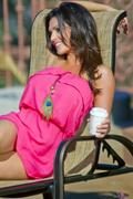 Дениз Милани, фото 5587. Denise Milani Sunbathing in pink :, foto 5587